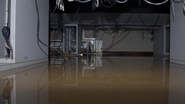 Les studios de TV Com envahis par les eaux de la Dyle
