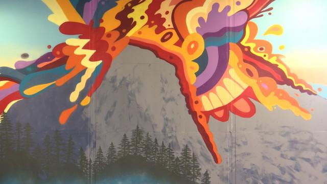 LLN : nouvelles fresques monumentales et très colorées sous la dalle