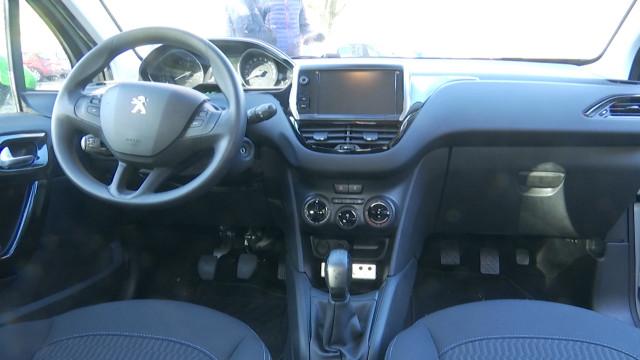 Location de voitures équipées d'une double commande pour l'apprentissage de la conduite en filière libre