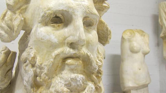 testLouvain-la-Neuve : l'impressionnante galerie des moulages du Musée L