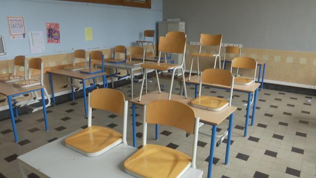 testPas ou très peu d'élèves dans les écoles secondaire ce matin