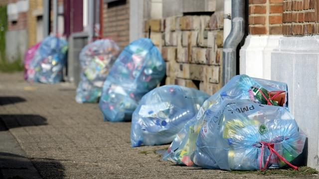 Premier bilan positif pour les sacs bleus : 3 kg de déchets triés en plus chaque année