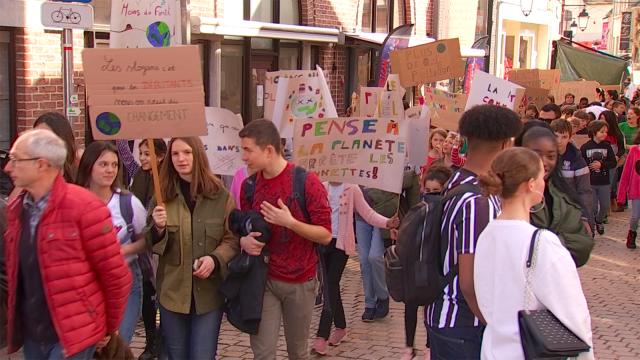 Près d'un millier d'élèves ont marché pour le climat à Wavre