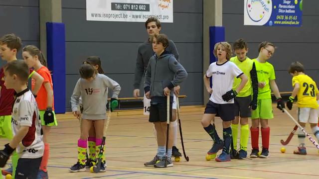 Red Lions : Augustin Meurmans rencontre les jeunes du Lara Hockey Club de Wavre