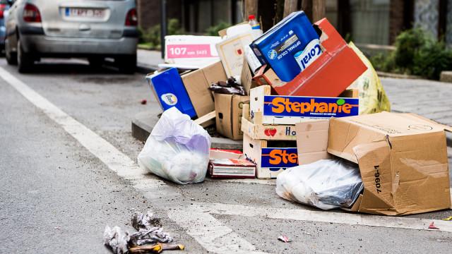 Stop aux déchets dans le piétonnier nivellois!