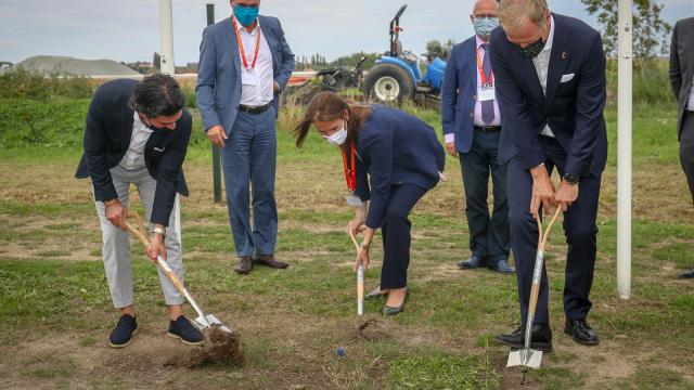 Tubize : premier coup de pelle du nouveau bâtiment de l'Union belge de football