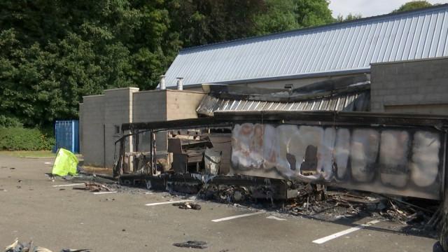 Une friterie qui part en fumée à côté du centre Jean Moisse
