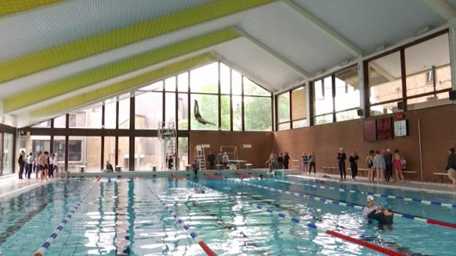 Une piscine olympique au complexe de Blocry en 2021