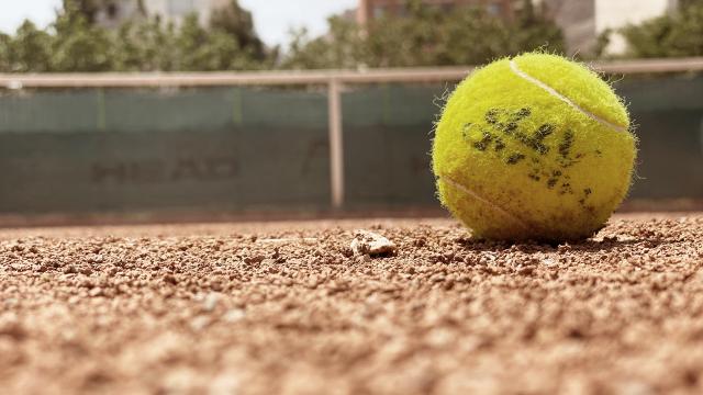 Une solution contre la pollution engendrée par les balles de tennis testée à Wavre