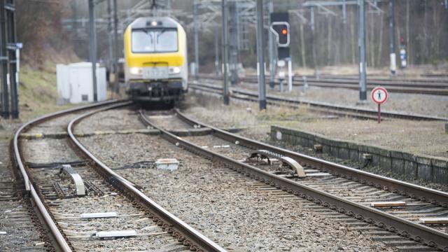 Voiture percutée par un train à Blanmont : pas de blessé mais beaucoup de retards