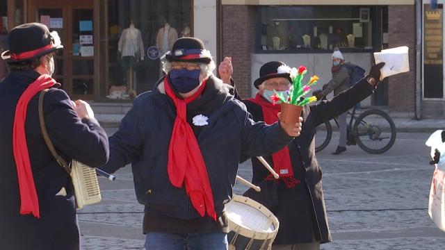 Wavre : les Crieurs d'amour déclarent la flamme des commerçants pour la Saint-Valentin