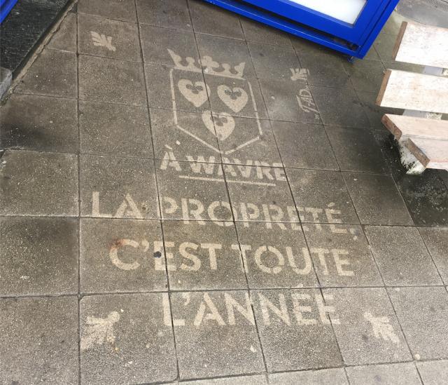 Wavre tague ses trottoirs... pour la propreté !